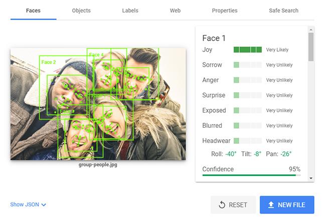 Google Visioin API example.